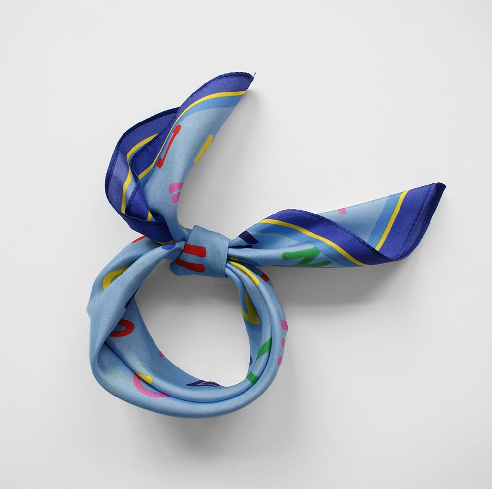 foulard lyon soie bleu cryptogram bluesky