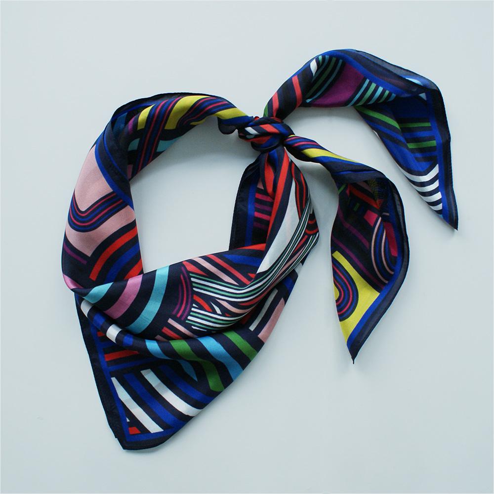 foulard lyon soie bleu electro pop