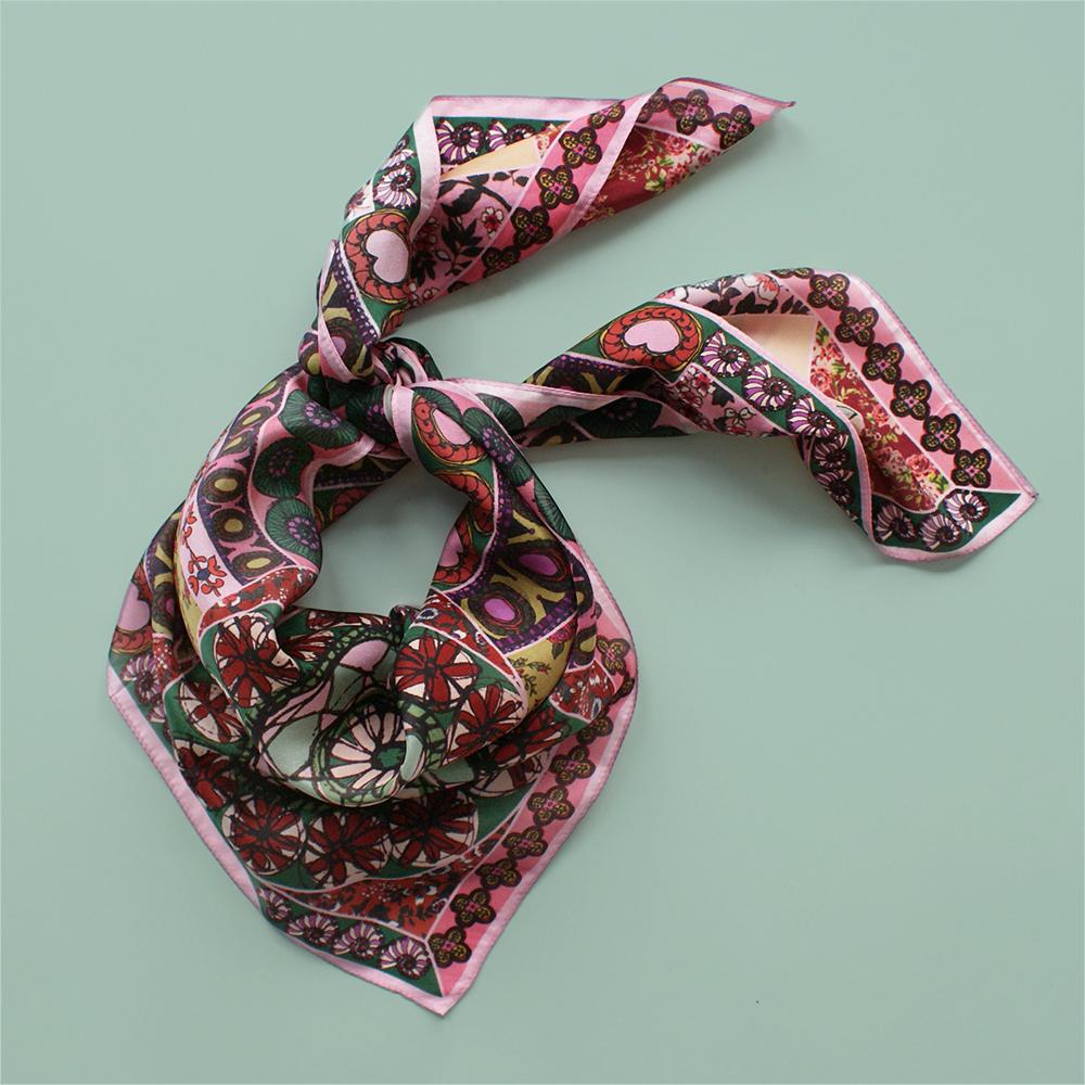 foulard lyon soie fleurs rose boheme