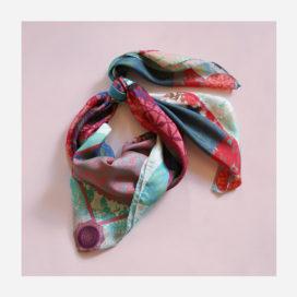 foulard lyon soie carre couleurs coletta nouer
