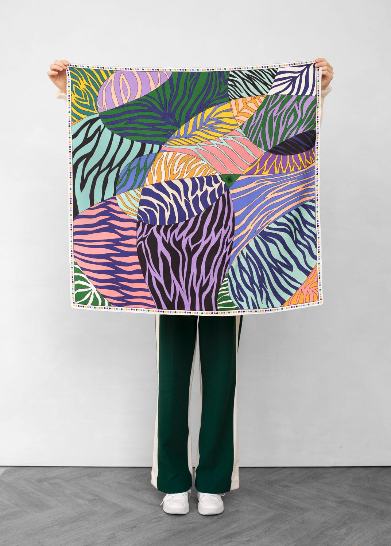 foulard lyon femme carre tendu porter soie doux zebra1